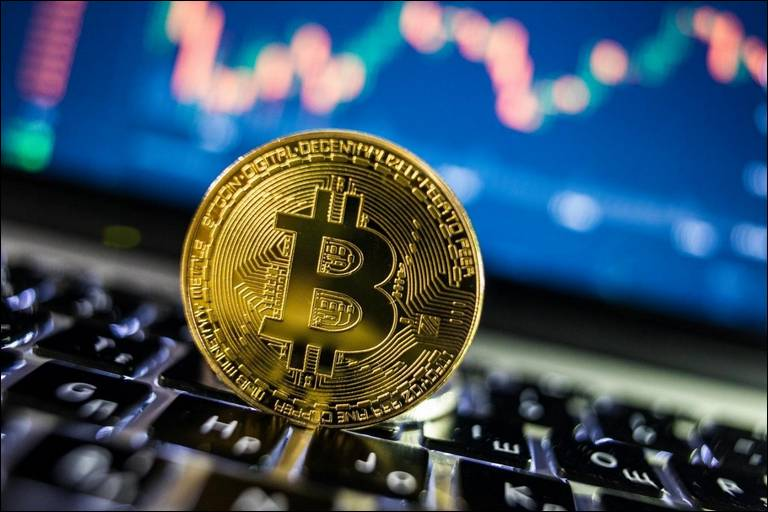 Profitable betting on Bitcoin and other advantages of the bookmaker