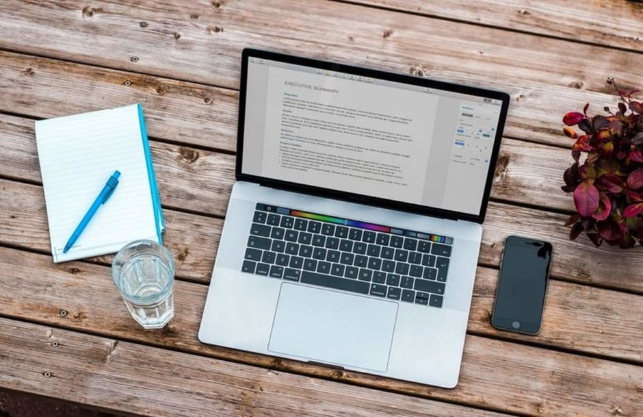 Best 10 Helpful Apps for Writing a Resume