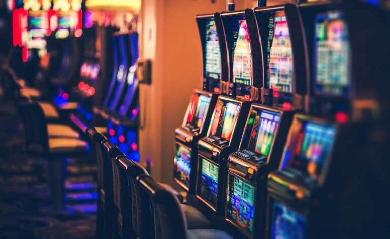 Are Online Slot Games a Better Alternative to Land-based Ones?