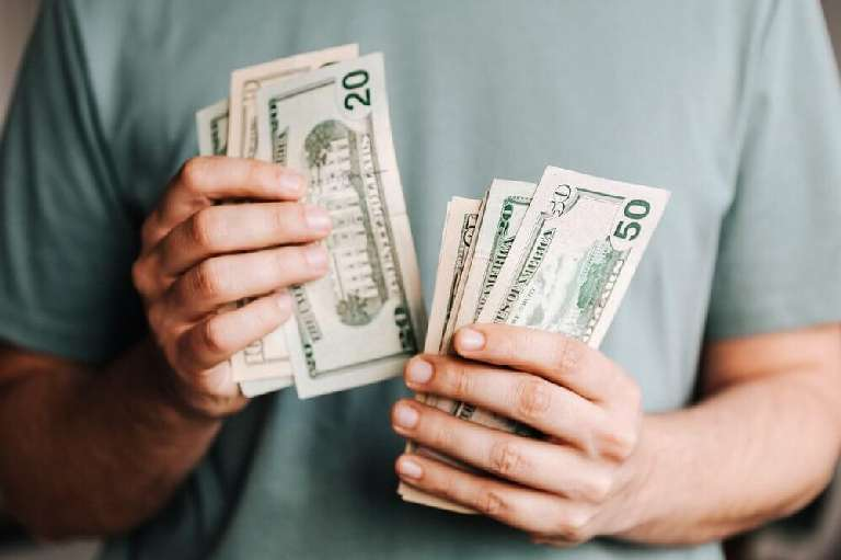 How to make money making memes?