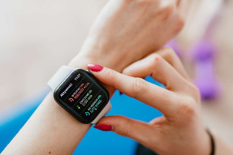 Simple Hacks You Can Do to Make a Smartwatch More Functional