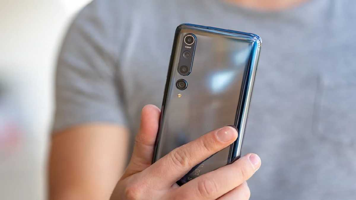 Is the Xiaomi Mi 10 worth buying in 2021?