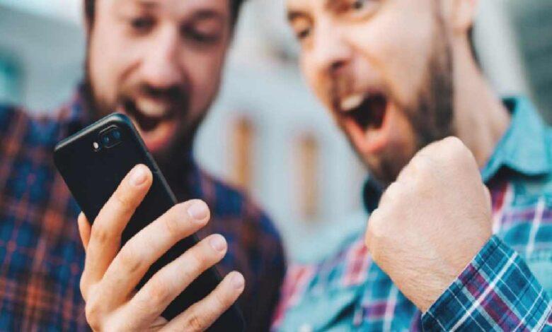 Top Reasons That People Gamble More Often Online