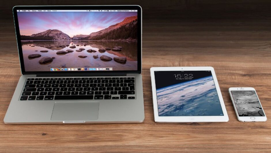Laptop or Tablet, What is More Useful For Students?