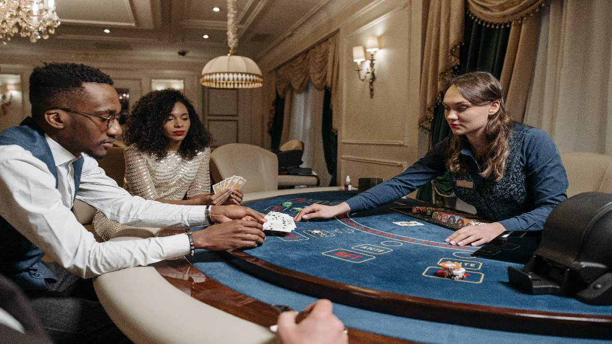 6 Essential Poker Tips For New And Experienced Poker Players