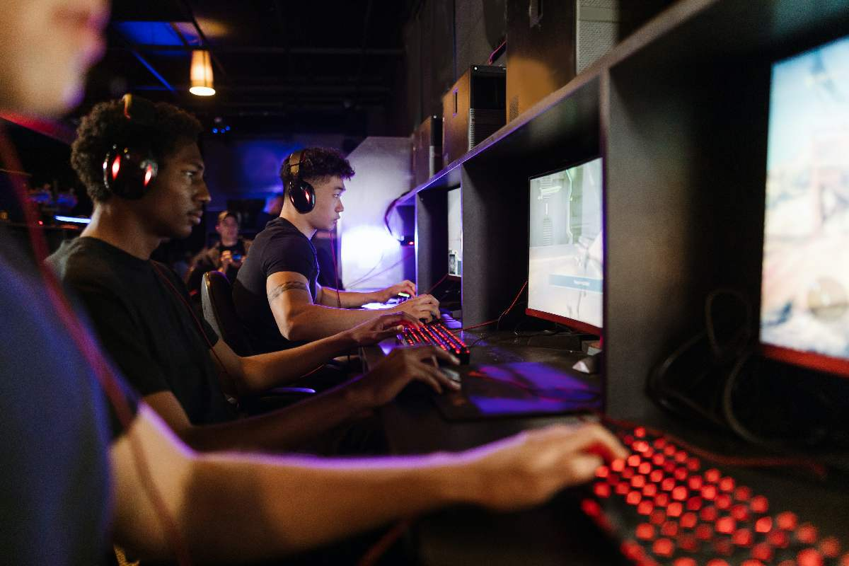 Play-To-Earn Games Make Money By Playing In 2021